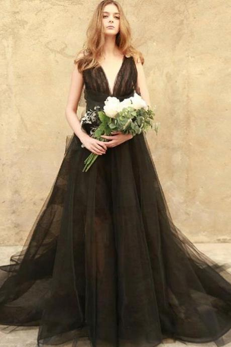 Unique A-Line V-Neck Sleeveless Black Tulle Long Prom Dress With Appliques