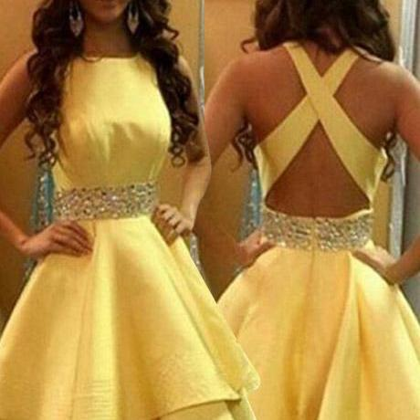 Gorgeous Criss-Cross Straps Sleeveless Homecoming Dresses with Beads
